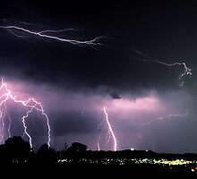 Lightning over Yarra Valley. by Ern Mainka