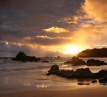 Mount Maunganui Sunrise, day break 7 by Ken Wright