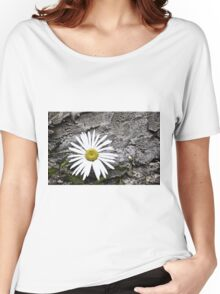 Chamomiles in the garden 8 Women's Relaxed Fit T-Shirt