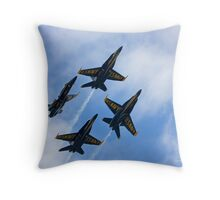 Headin for the blue skies Throw Pillow