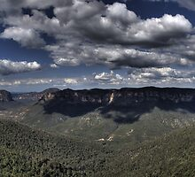 Grose Valley from Govetts Leap lookout II by DavidIori