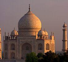 Taj Mahal Sunset by aidan  moran