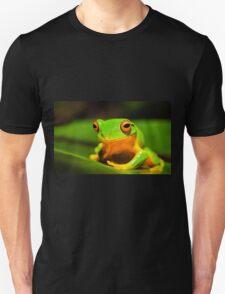 Orange thighes green tree frog T-Shirt