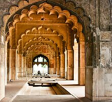 Red Fort, Delhi - an internal hall by rochelle