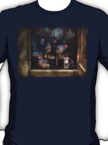 Animal - Chicken - The Hen House T-Shirt