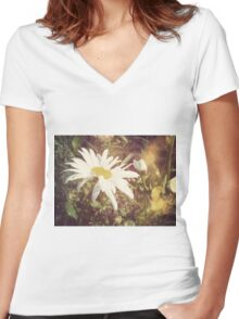 Big Chamomile Retro effect 2 Women's Fitted V-Neck T-Shirt