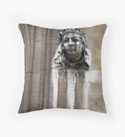 And the queen wept  Throw Pillow