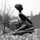 BW  little statue by LisaBeth