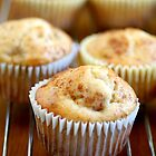 Cinnamon Muffins by chrishawns