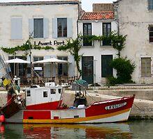 Fishing Boat  by Pamela Jayne Smith
