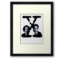 X-FILES - Scully & Mulder Framed Print