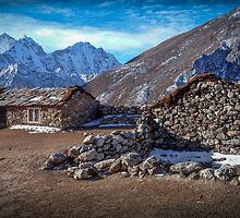 Mountain Hut by DavidMelville