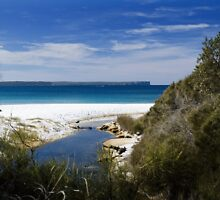 Plantation Beach NSW AUST by ONYAMARK