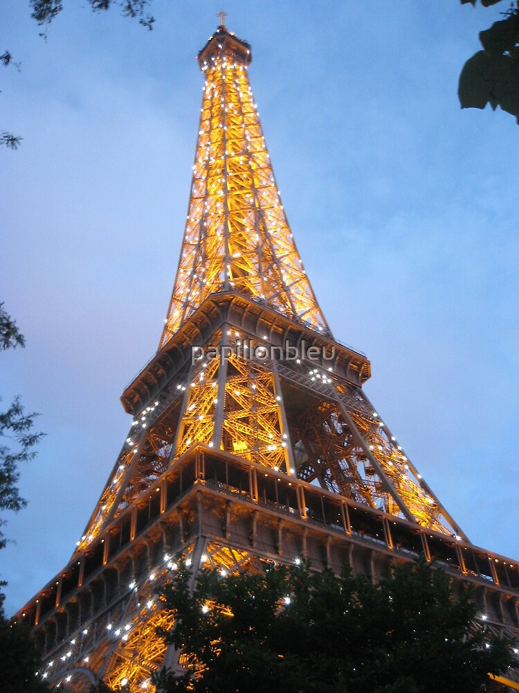 Le Tour Eiffel by Pamela Jayne Smith