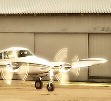 Beechcraft Baron 58 by jonnikray