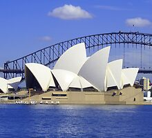 Sydney Opera House by Melva Vivian