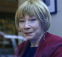Shirley MacLaine by DaveVaughan