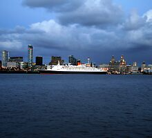 QE2 by andy118