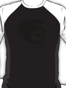 Toothless + Runic Text (black) T-Shirt
