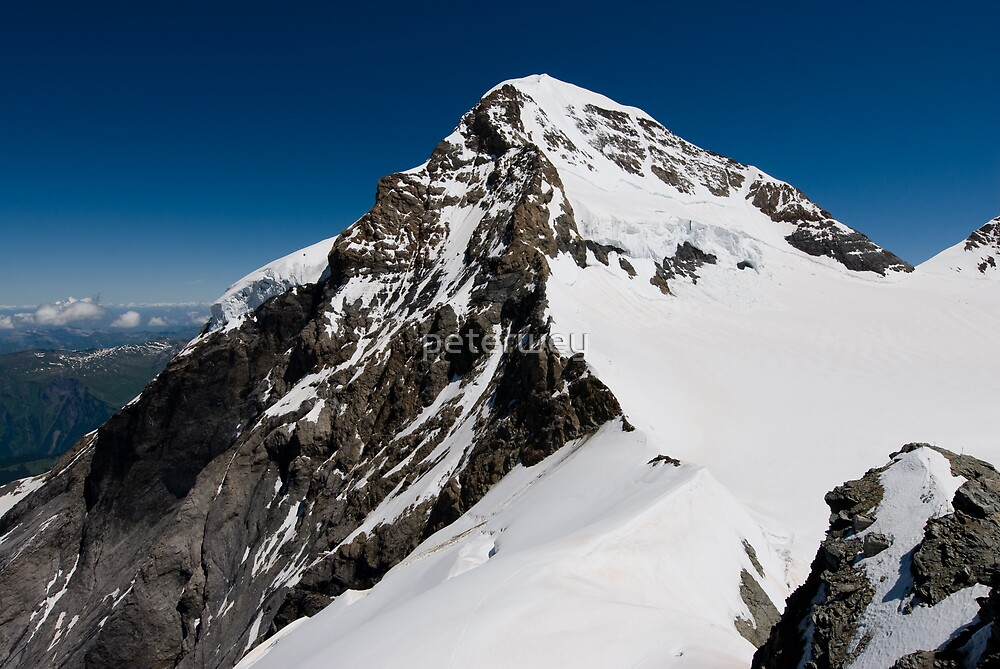 Mountaintop of Mönch by peterwey