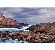Sugar Loaf Rock by Kirk  Hille