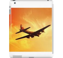 Boeing B-17 Flying Fortress Bomber in Sunset iPad Case/Skin