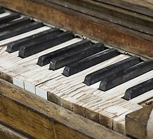 Old Piano by franceslewis