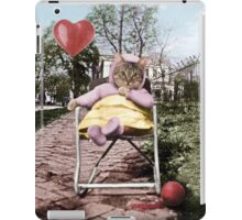 Pretty little Kitty with a heart balloon iPad Case/Skin