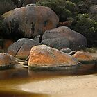 Rock Pool by mawaho