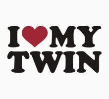 I love my twin by Designzz