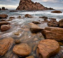 Sugarloaf Rock by LukeAustin
