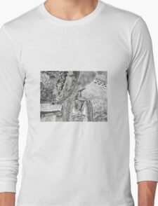 Kitty in the brush Long Sleeve T-Shirt