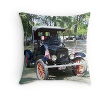 1922 Ford Model T Runabout  Throw Pillow