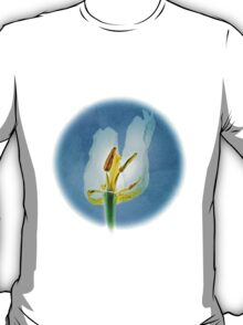 White withering tulip flower T-Shirt