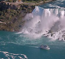 A ship in Niagara Falls State Park by loiteke