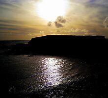 Dusk light on the Sea :)  by Honor Kyne