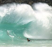Shorebreak Sandy Beach Oahu  by kevin smith  skystudiohawaii