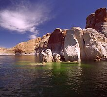 Lake Powell by steveberlin