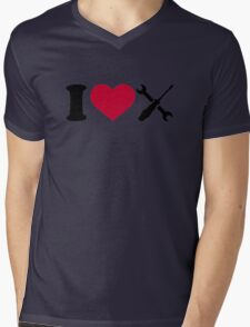 I love screwdriver tools Mens V-Neck T-Shirt