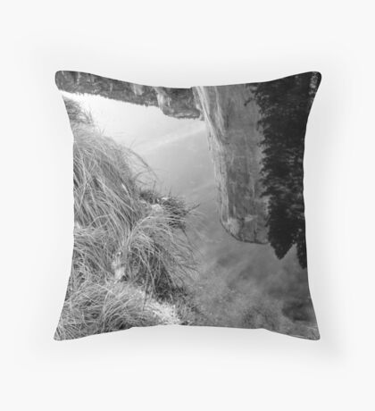 REFLECTION, EL CAPITAN Throw Pillow