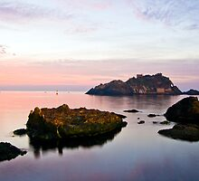 Isola Lachea in the early morning (2) by Andrea Rapisarda