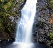 Foyers Falls by Rob Outram