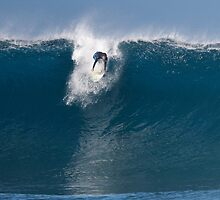 Pipeline Surfer 16 by Alex Preiss