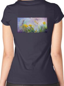 Bumble bee on flowers Women's Fitted Scoop T-Shirt