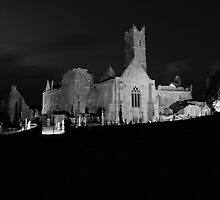 Quin Abbey night view by John Quinn