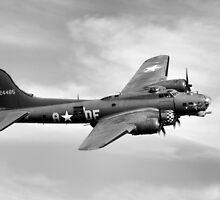 B-17 Flying Fortress by Ian Merton