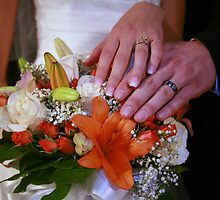 Bouquets and rings by Amber Carpenter