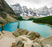 Moraine Lake and the Valley of the Ten Peaks by lkamansky