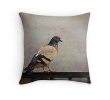 Il piccione Throw Pillow
