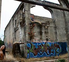 Graffiti Womb by bigtiny